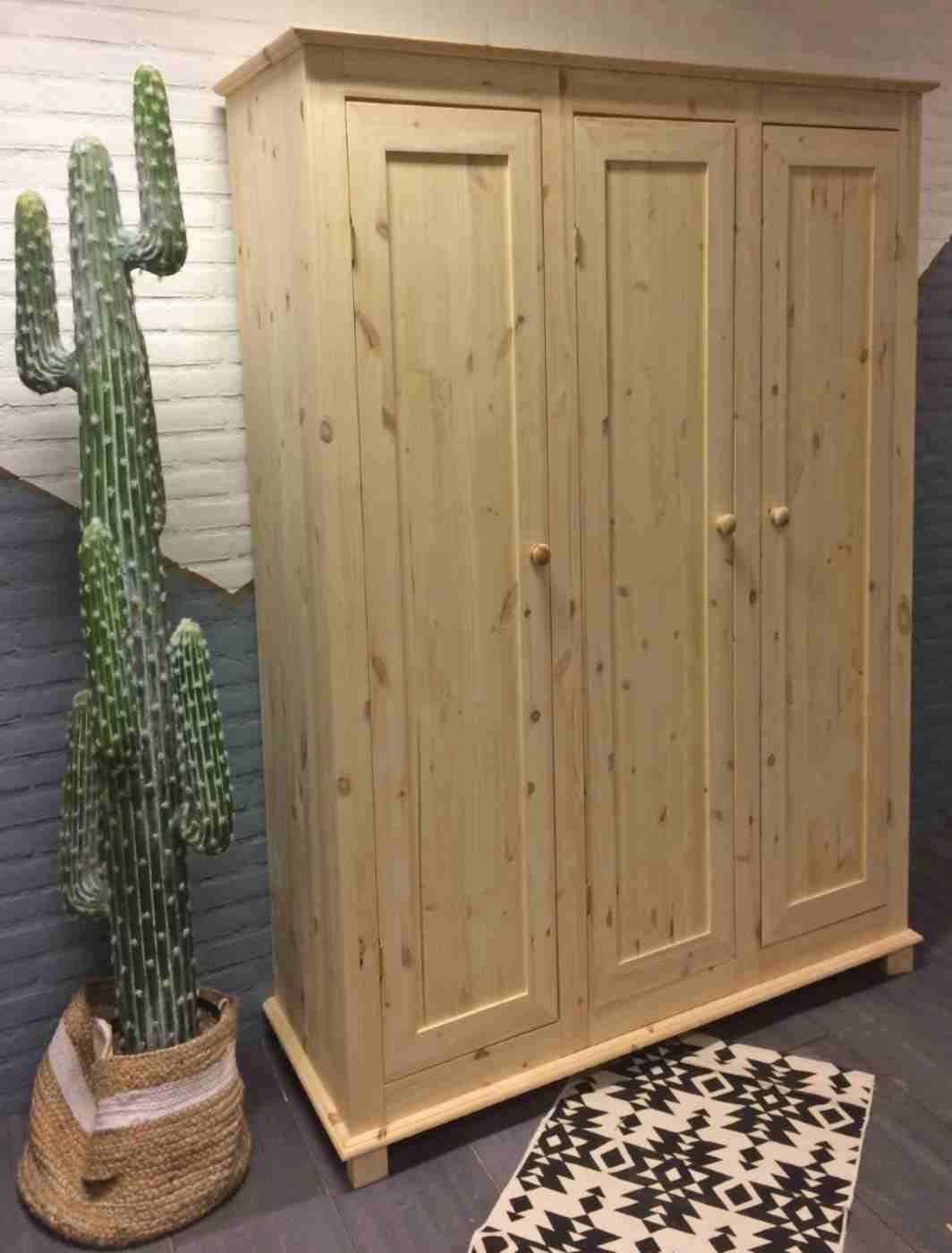 3 deurs kledingkast Niels