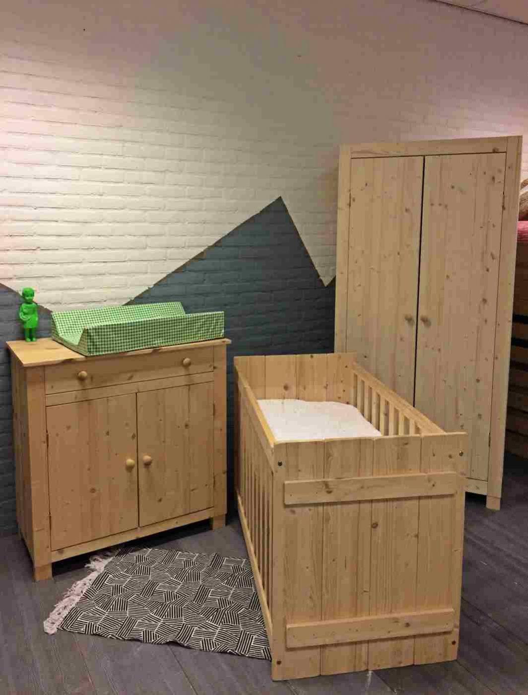 Babykamer Ameland 2 deurs kast